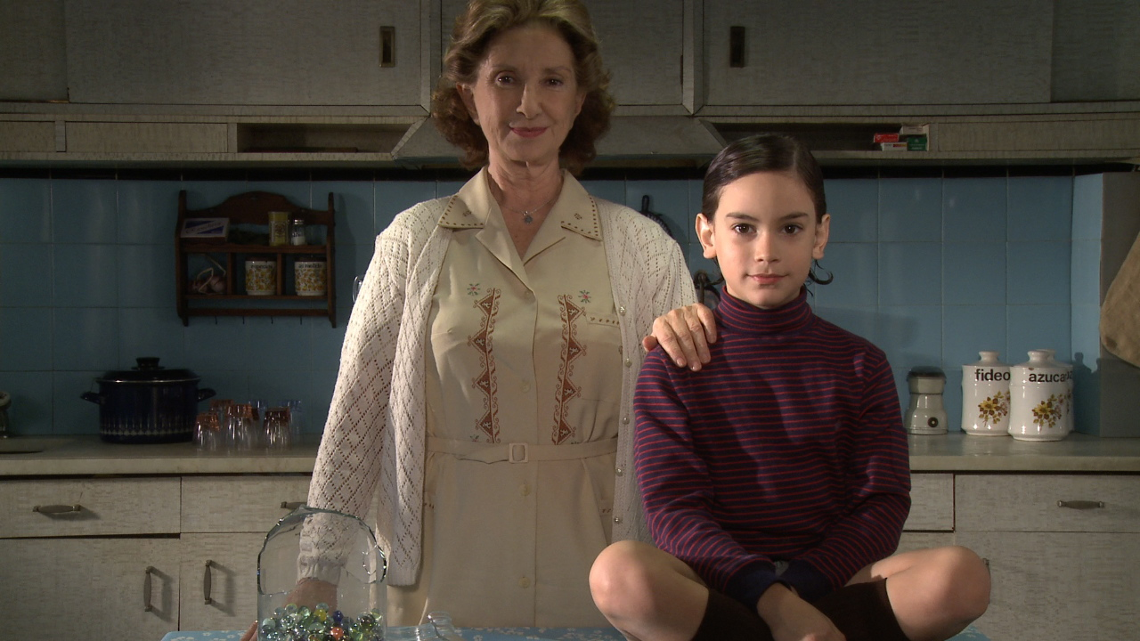 少年と大人の女性のHな画像 アルゼンチン ...