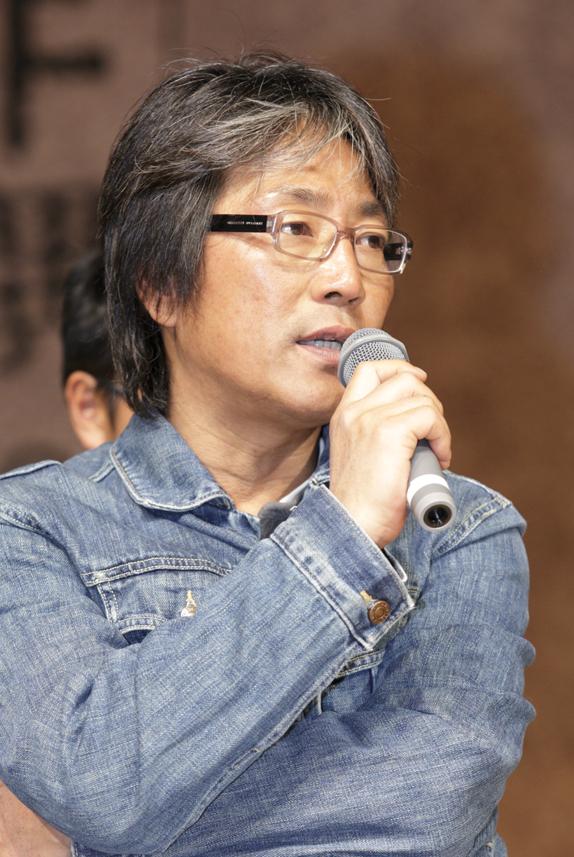 キム・テギュン監督