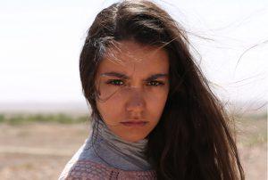 映画『きみへの距離、1万キロ』リナ・エル=アラビ